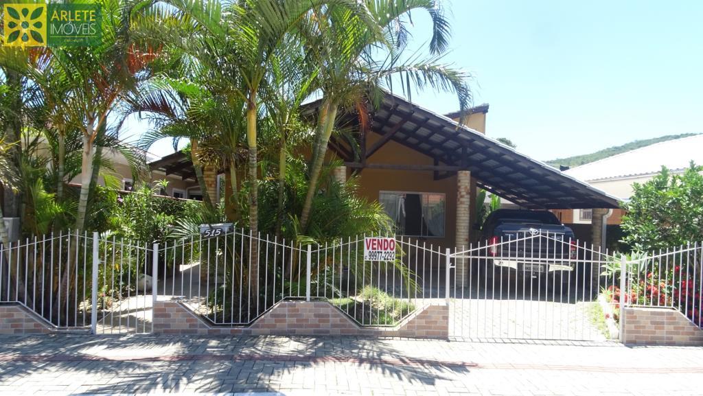 Casa Codigo 1959 a Venda no bairro Centro na cidade de Porto Belo