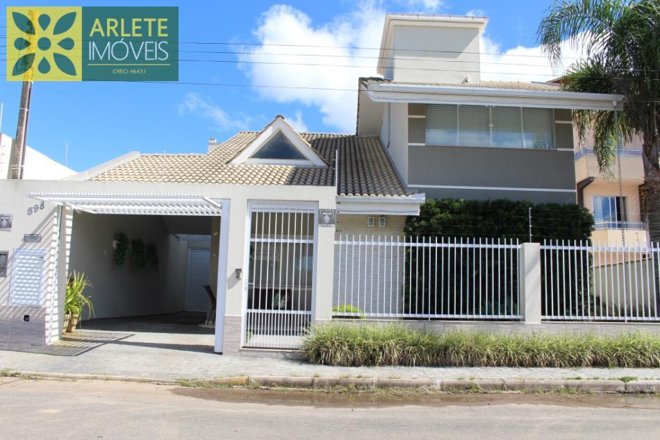 Casa Codigo 1967 a Venda no bairro-Meia Praia na cidade de Itapema