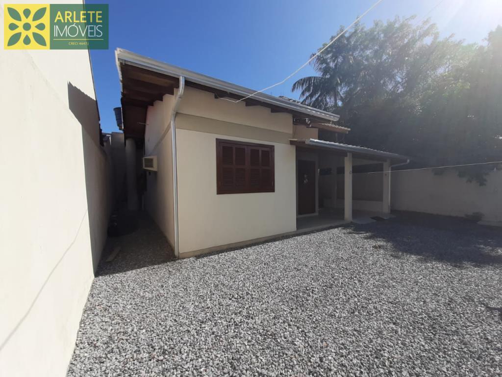 Casa Codigo 1825 a Venda no bairro-Perequê na cidade de Porto Belo