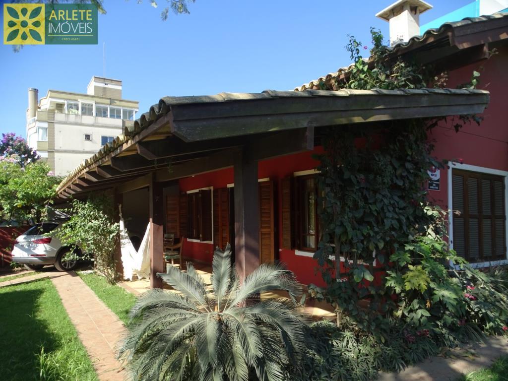 Casa Codigo 1850 a Venda no bairro Bombas na cidade de Bombinhas