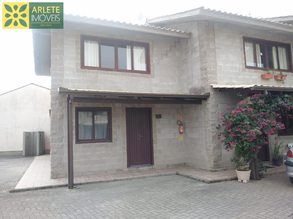 Casa Codigo 2323 a Venda no bairro-Perequê na cidade de Porto Belo