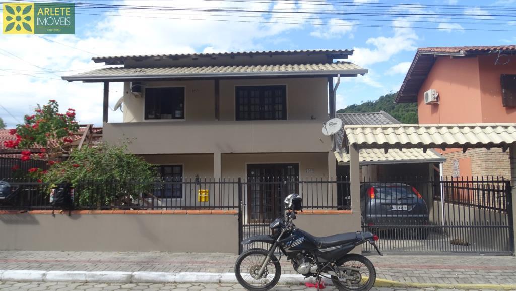Casa Codigo 2221 a Venda no bairro-Centro na cidade de Bombinhas