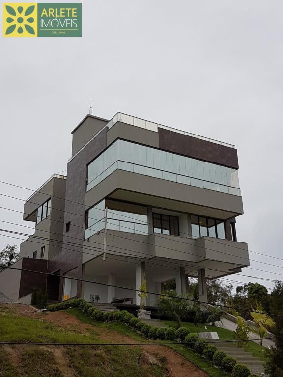 Casa Codigo 2227 a Venda no bairro-Centro na cidade de Bombinhas