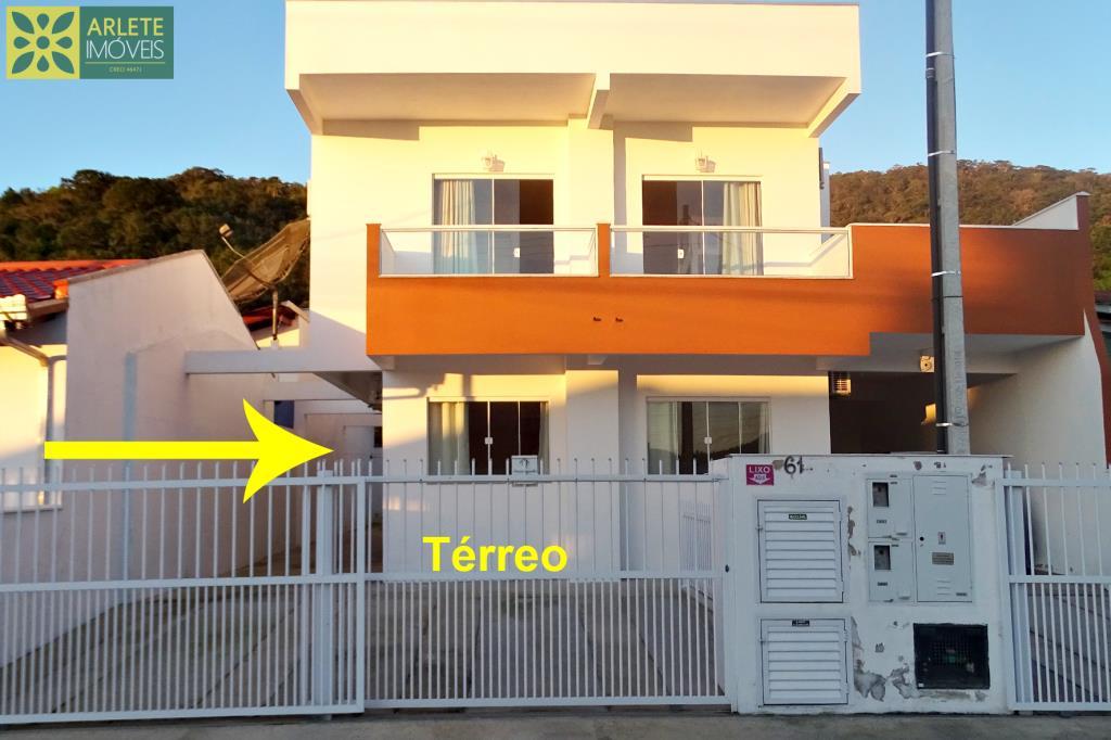 Casa Codigo 176 para Temporada no bairro Centro na cidade de Porto Belo