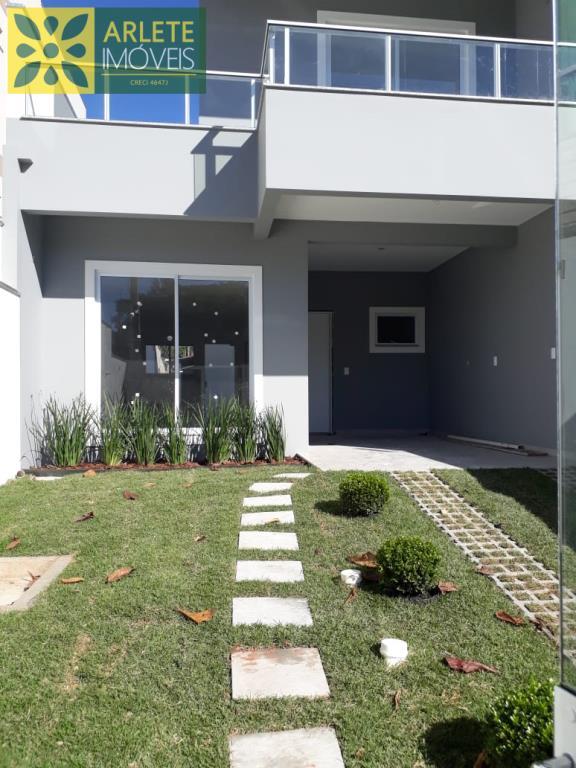 Casa Codigo 2245 a Venda no bairro Zimbros na cidade de Bombinhas