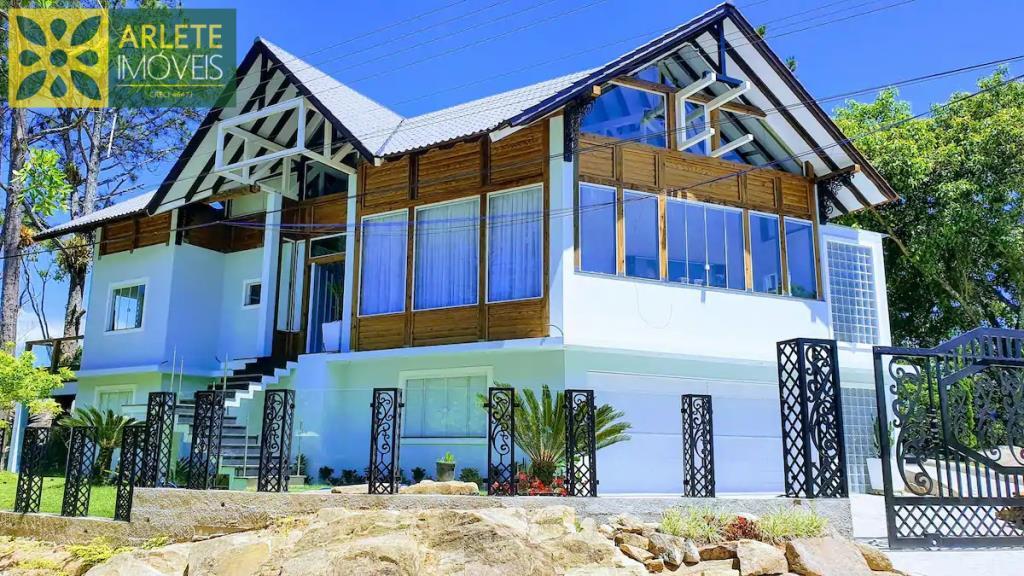 Casa Codigo 2511 a Venda no bairro-Vila Nova na cidade de Porto Belo