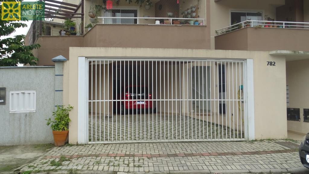 Sobrado Codigo 27 para Temporada no bairro Centro na cidade de Porto Belo