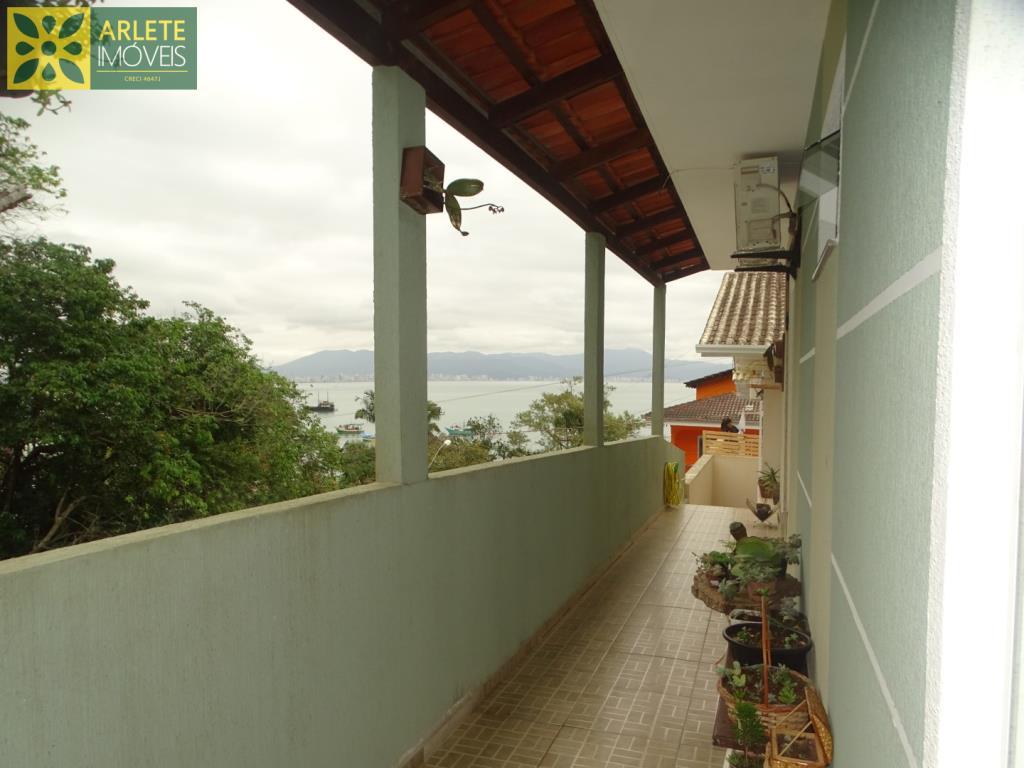Casa Codigo 209 para Temporada no bairro Araça na cidade de Porto Belo