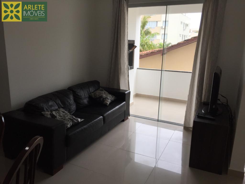 Apartamento Codigo 406 para Temporada no bairro Bombas na cidade de Bombinhas