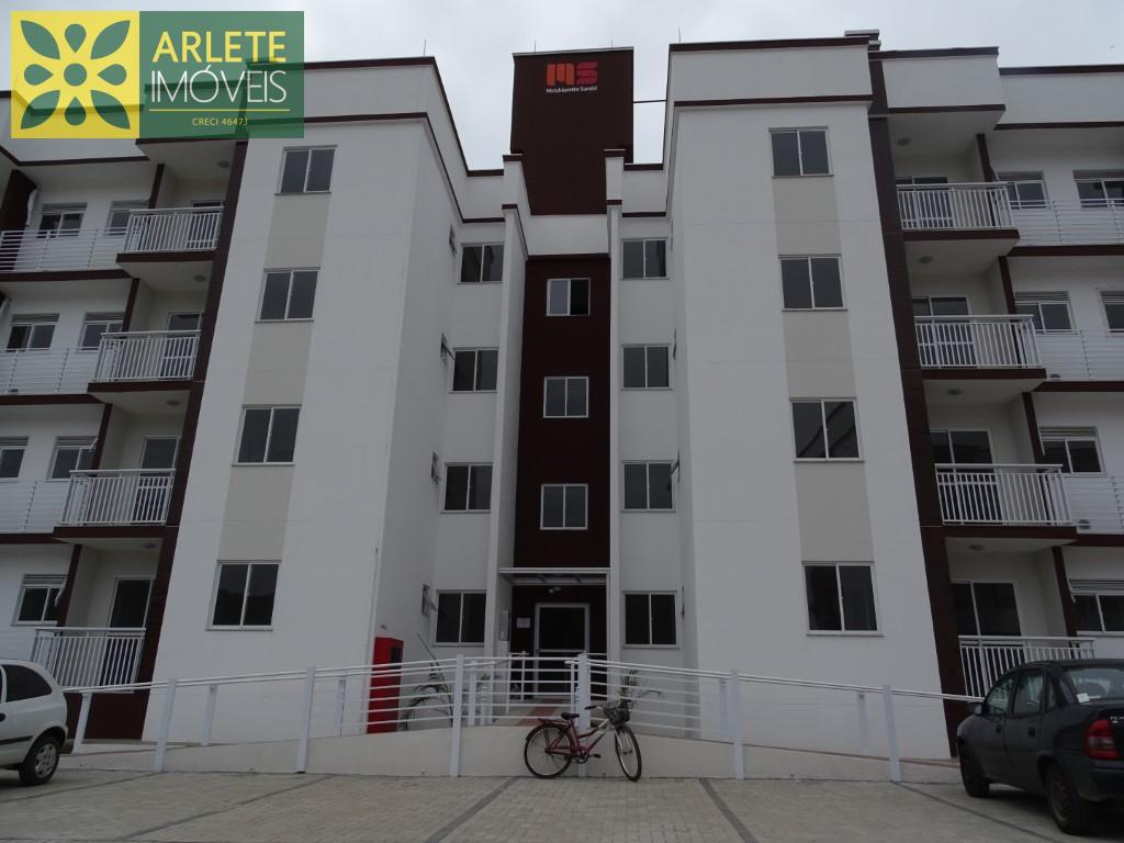 Apartamento Codigo 21 para Temporada no bairro Vila Nova na cidade de Porto Belo