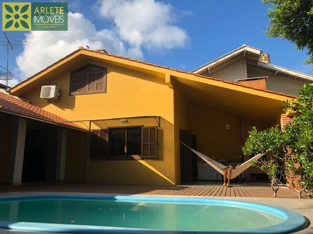 House Codigo 407 para Temporada no bairro Bombas na cidade de Bombinhas