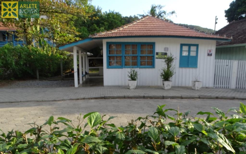 House Codigo 22 para Temporada no bairro Centro na cidade de Porto Belo