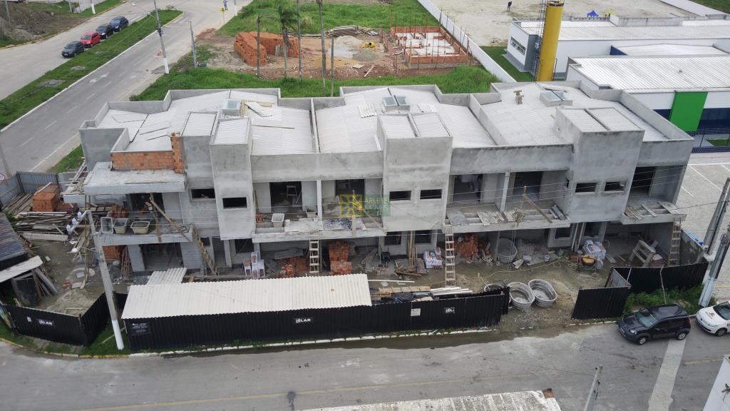 Casa Codigo 2607 a Venda no bairro-Perequê na cidade de Porto Belo