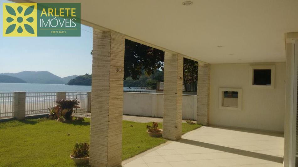 Casa Codigo 2460 a Venda no bairro-Perequê na cidade de Porto Belo