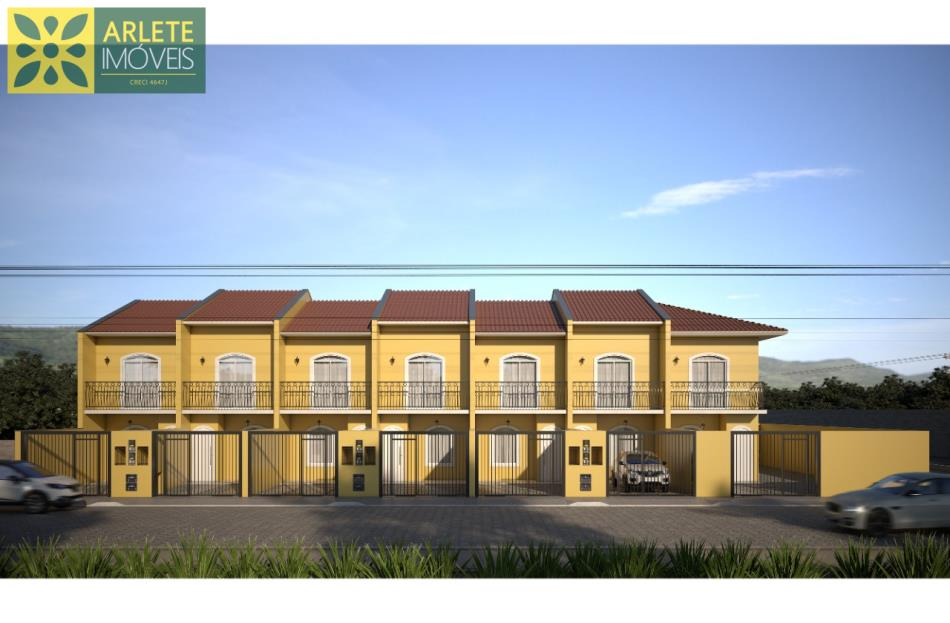 Casa Codigo 2477 a Venda no bairro-Centro na cidade de Porto Belo