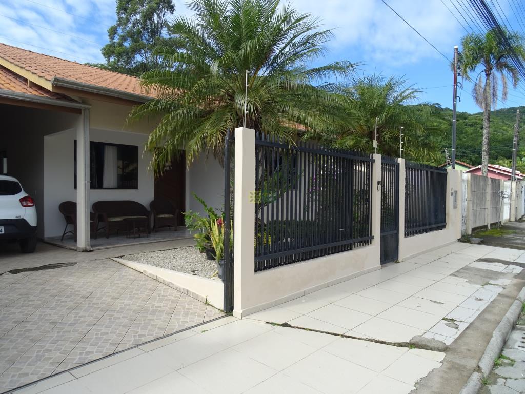 Casa Codigo 87 para Temporada no bairro Centro na cidade de Porto Belo