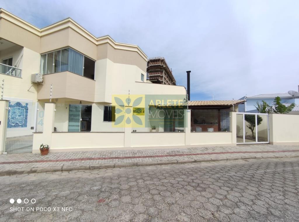 Casa Codigo 3121 a Venda no bairro-Perequê na cidade de Porto Belo