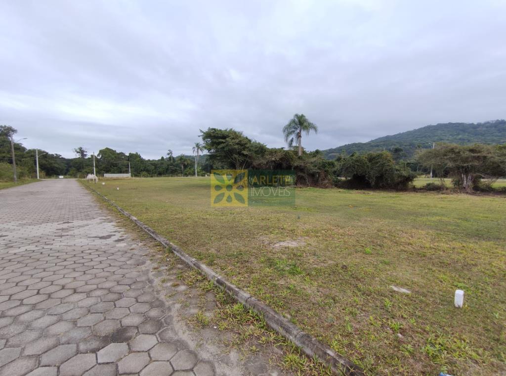 Terreno-Codigo-3131-a-Venda-no-bairro-Mariscal-na-cidade-de-Bombinhas