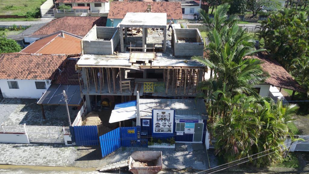 Triplex Geminado Codigo 3129 a Venda no bairro-Perequê na cidade de Porto Belo