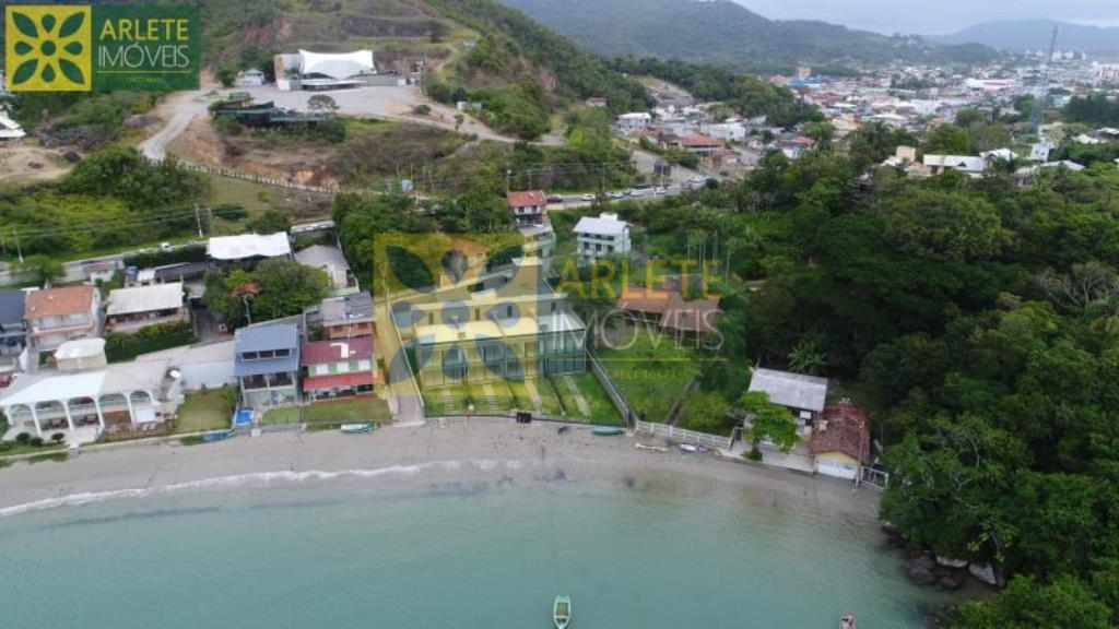 Casa-Codigo-34-a-Venda-no-bairro-Centro-na-cidade-de-Porto-Belo