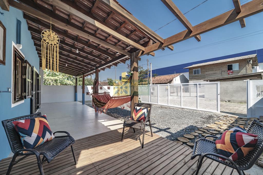 Casa Codigo 611 para Temporada no bairro Morrinhos na cidade de Bombinhas