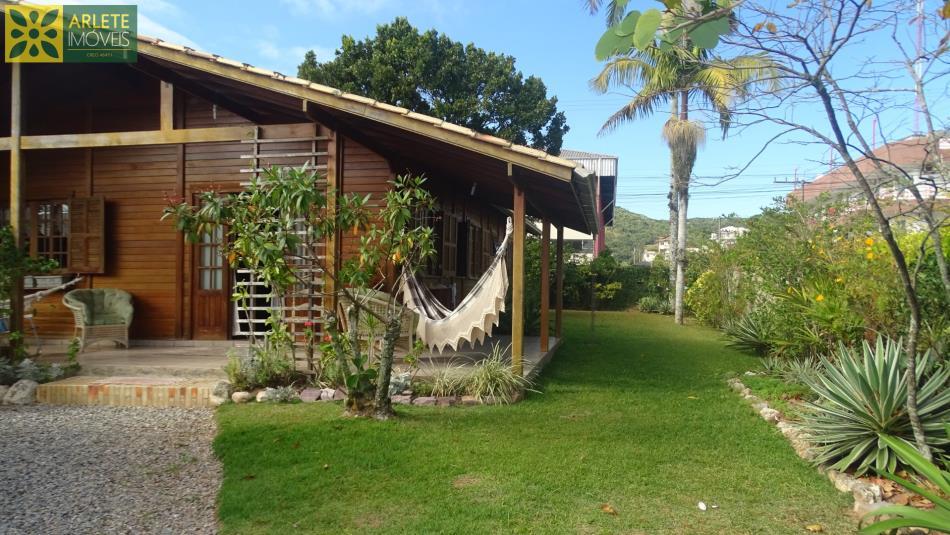 Casa Codigo 112 para Temporada no bairro Centro na cidade de Porto Belo