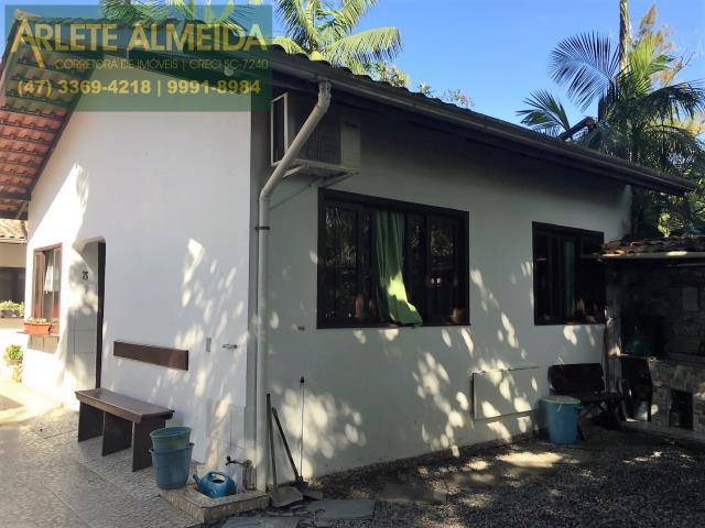 Casa Codigo 154 para Temporada no bairro Centro na cidade de Porto Belo