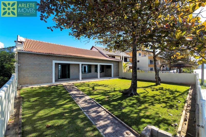 Casa Codigo 210 para Temporada no bairro Perequê na cidade de Porto Belo