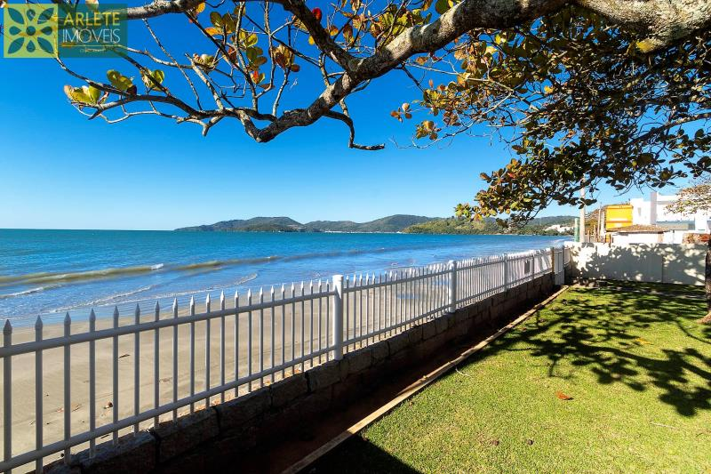 28 - vista da praia casa locação beira mar perequê