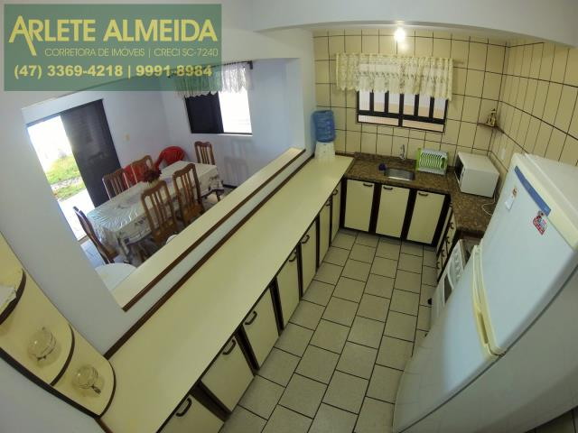 24 - cozinha imóvel locação perequê
