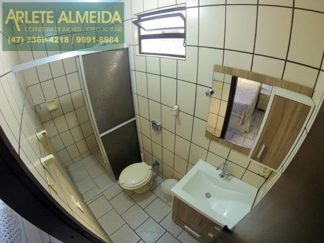 29 - banheiro da suíte imóvel locação perequê