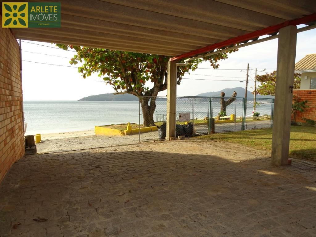 House Codigo 116 para Temporada no bairro Centro na cidade de Porto Belo