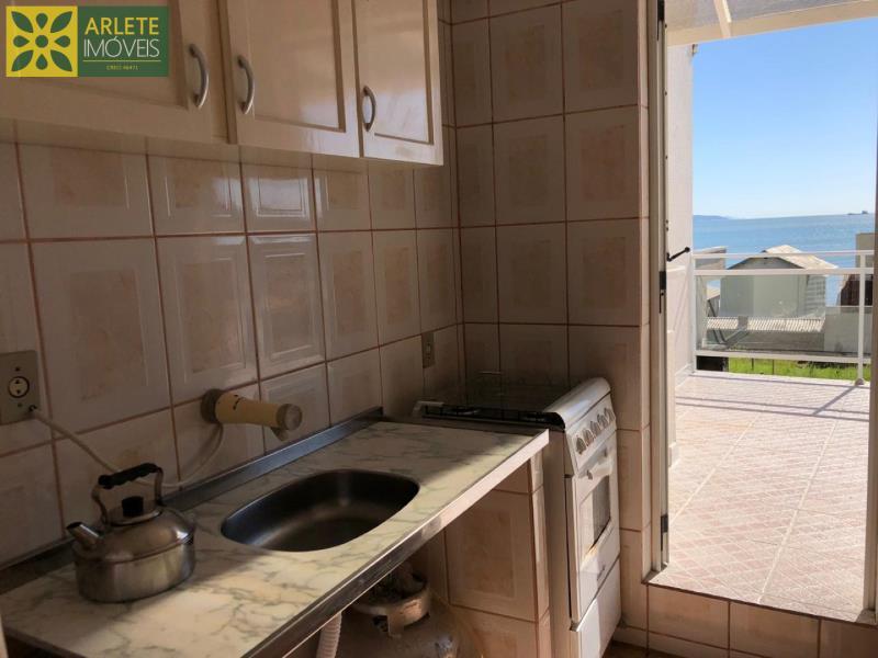 10 - cozinha apartamento locação anual porto belo