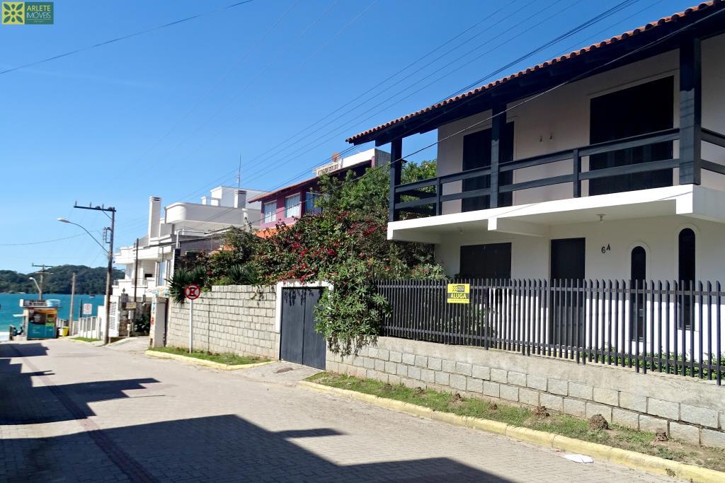 House Codigo 316 para Temporada no bairro Centro na cidade de Bombinhas