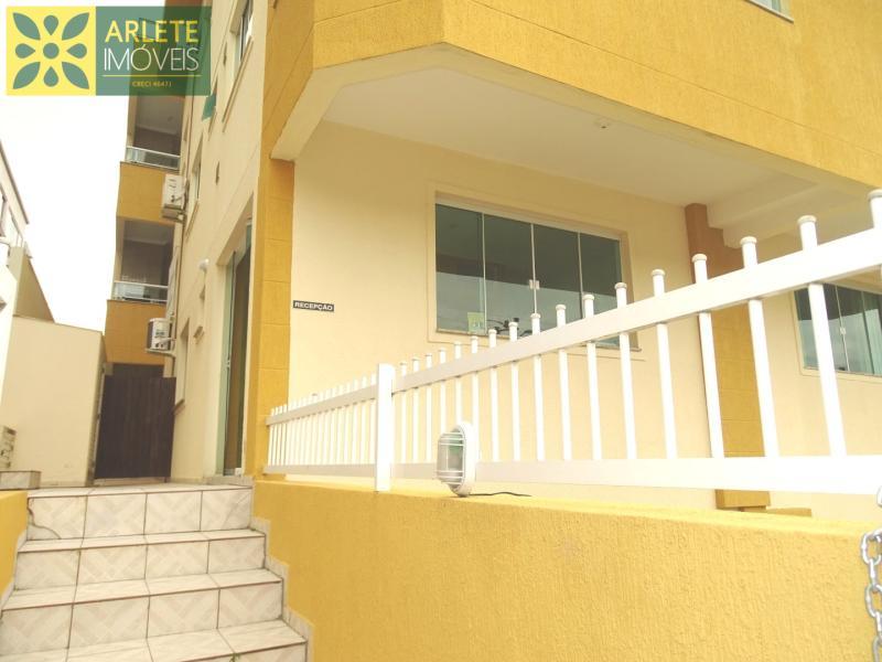 Apartamento Codigo 410 para Temporada no bairro Bombas na cidade de Bombinhas