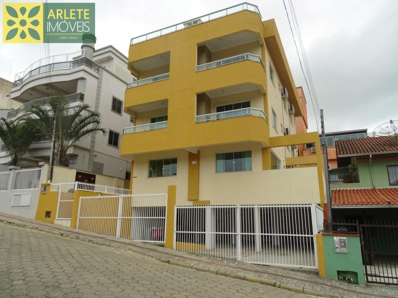 Apartamento Codigo 415 para Temporada no bairro Bombas na cidade de Bombinhas