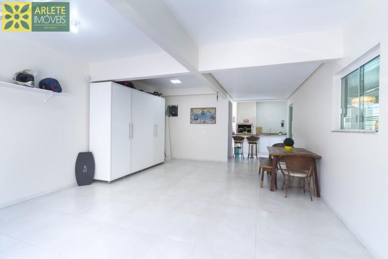 7 - garagem interna casa com piscina para aluguel em Bombinhas