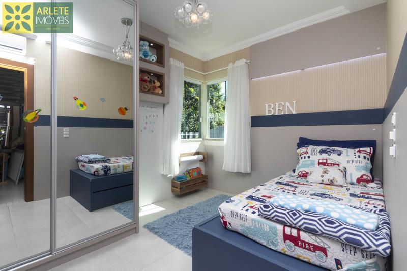 27 - dormitório térreo 02 casa com piscina para aluguel em Bombinhas