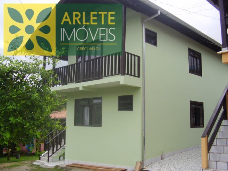 Casa Codigo 329 para Temporada no bairro Centro na cidade de Bombinhas