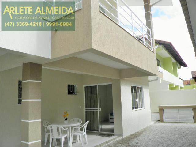Apartamento Codigo 323 para Temporada no bairro Centro na cidade de Bombinhas