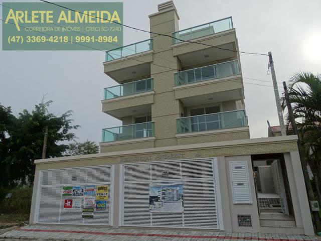 Cobertura Codigo 987 a Venda no bairro-Bombas na cidade de Bombinhas