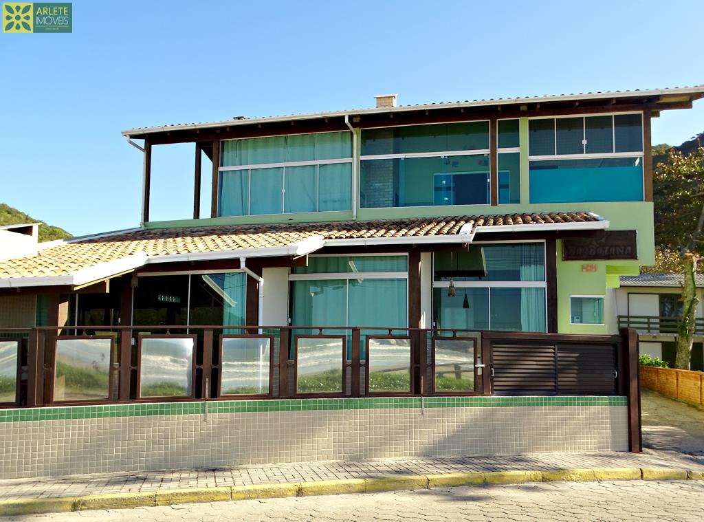 Casa Codigo 653 para Temporada no bairro Canto Grande na cidade de Bombinhas