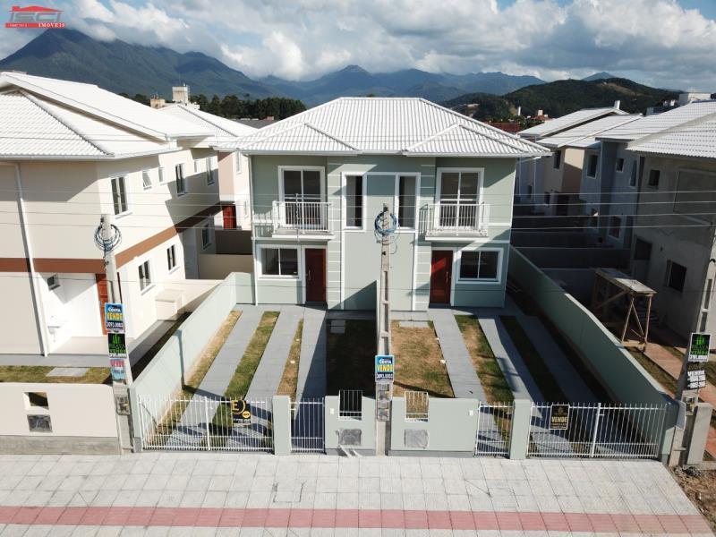 Sobrado - Código 941 Imóvel a Venda no bairro Aririu na cidade de Palhoça