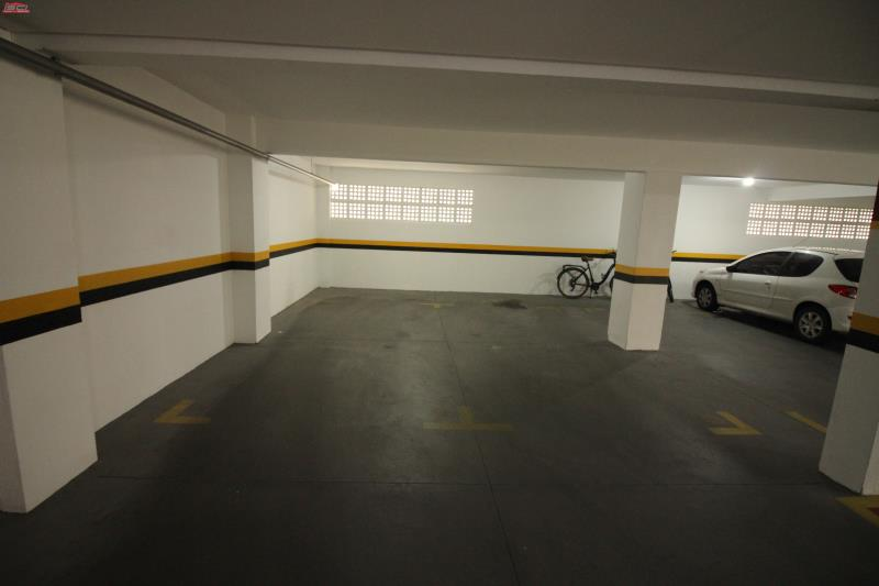 2 Vagas individuais garagem