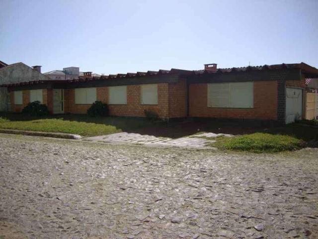 Casa de Código 828 Imóvel a Venda no bairro Centro na cidade de Tramandaí