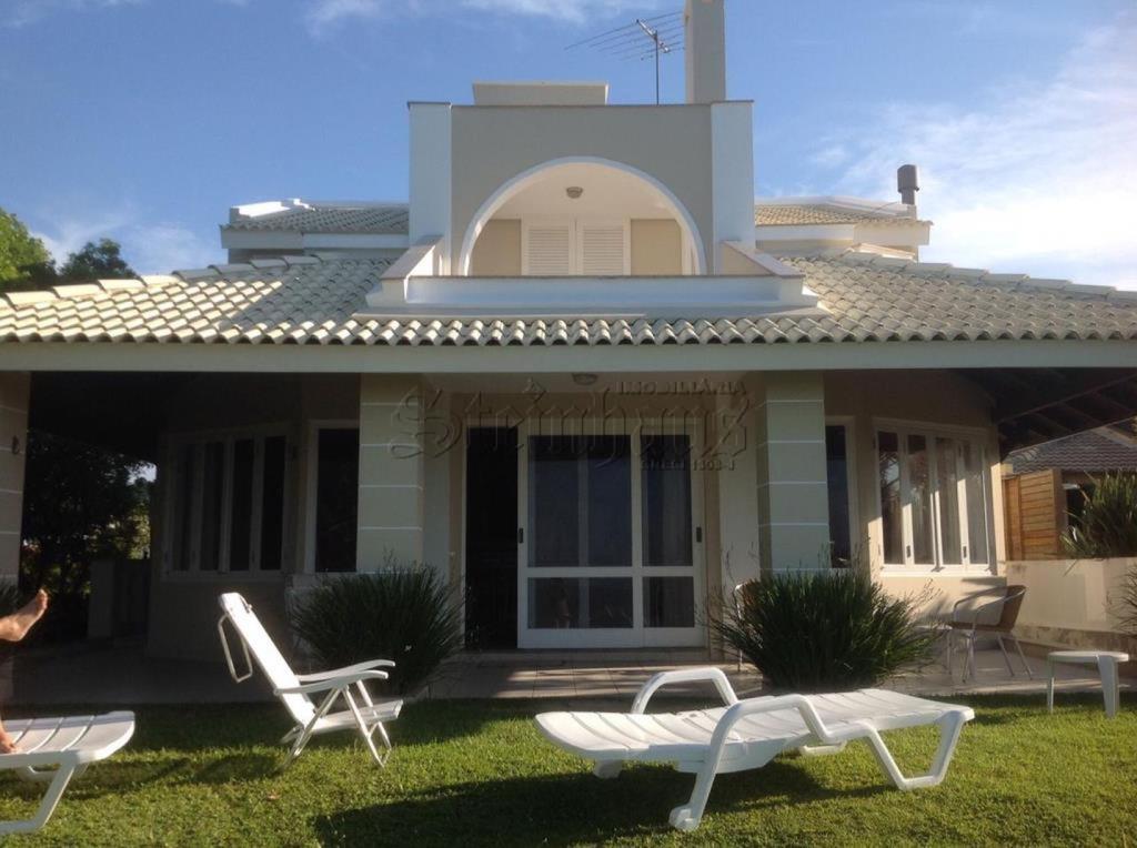 Casa Código 8235 para Temporada no bairro Jurerê na cidade de Florianópolis