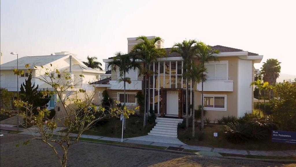 Casa Código 9357 para Temporada  no bairro Jurerê Internacional na cidade de Florianópolis
