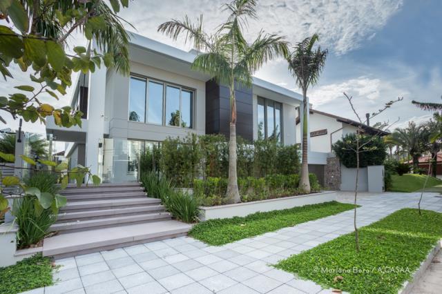 Casa Código 9636 para Temporada no bairro Jurerê Internacional na cidade de Florianópolis