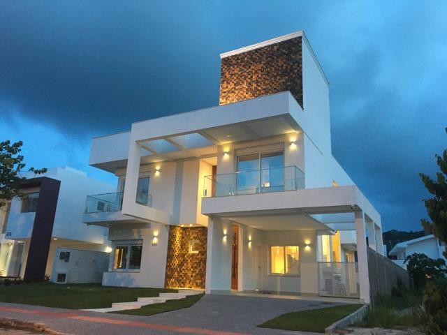 Casa Código 9804 para Venda no bairro Jurerê na cidade de Florianópolis