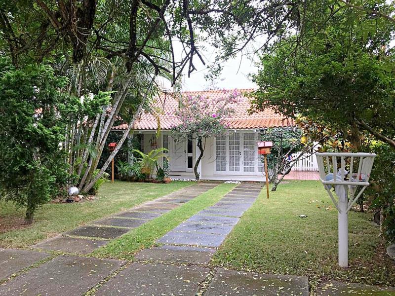 Casa Código 10004 para Temporada no bairro Jurerê Internacional na cidade de Florianópolis